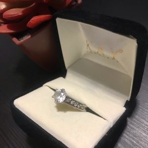 Jewelry - Silver Fashion Ring with diamonds